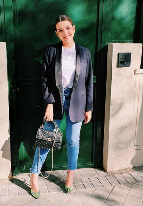 Clothing, Green, Blazer, Turquoise, Snapshot, Fashion, Outerwear, Jacket, Street fashion, Jeans,