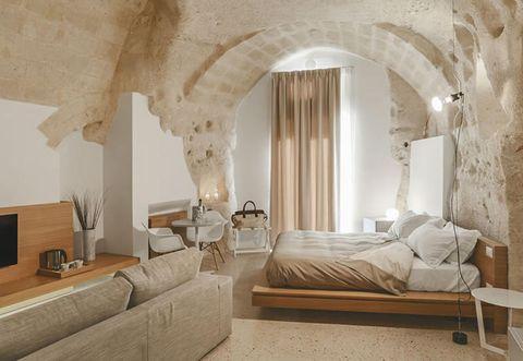 Wood, Room, Interior design, Property, Wall, Floor, Furniture, Bed, Interior design, Ceiling,