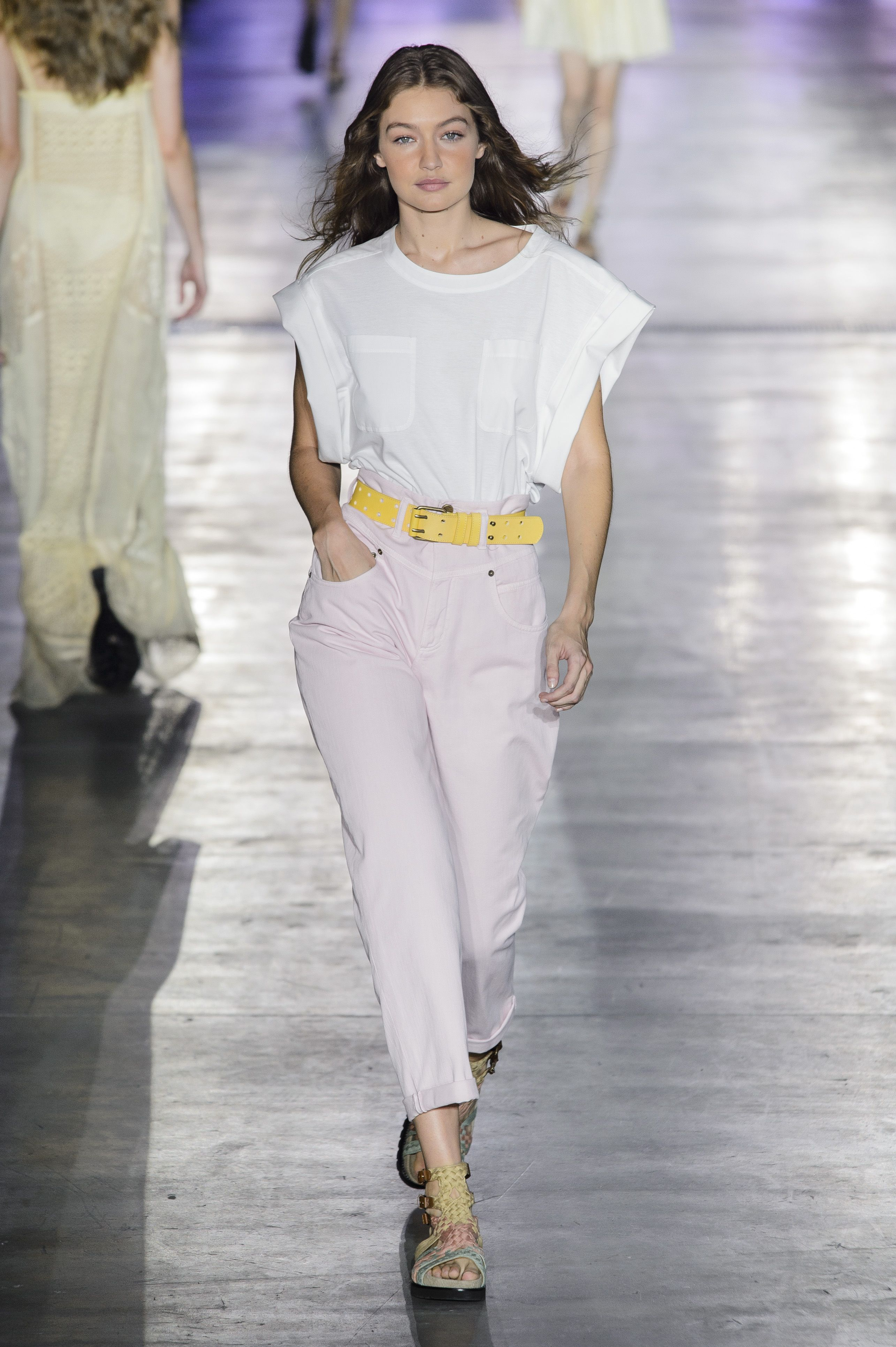 kendall bella gigi kaia milan fashion week alberta ferretti