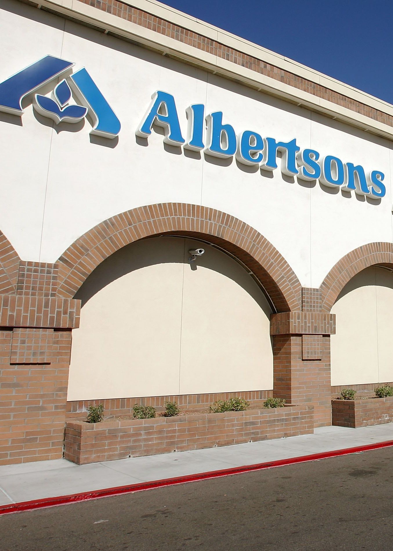 Albertsons grocery store open on christmas day
