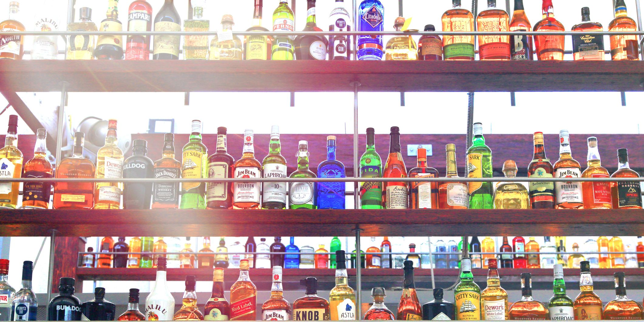 how long before a race should you stop drinking alcohol?.