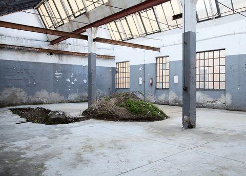 La fabbrica di panettoni Cova a Milano