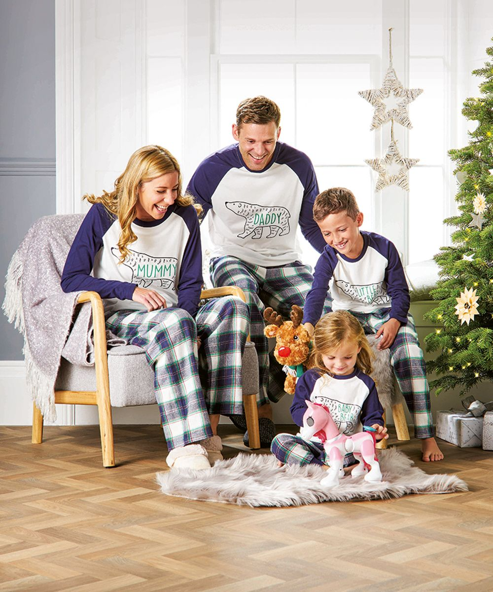 b3ff287218 Best matching family Christmas pyjamas - Family Christmas pyjama sets