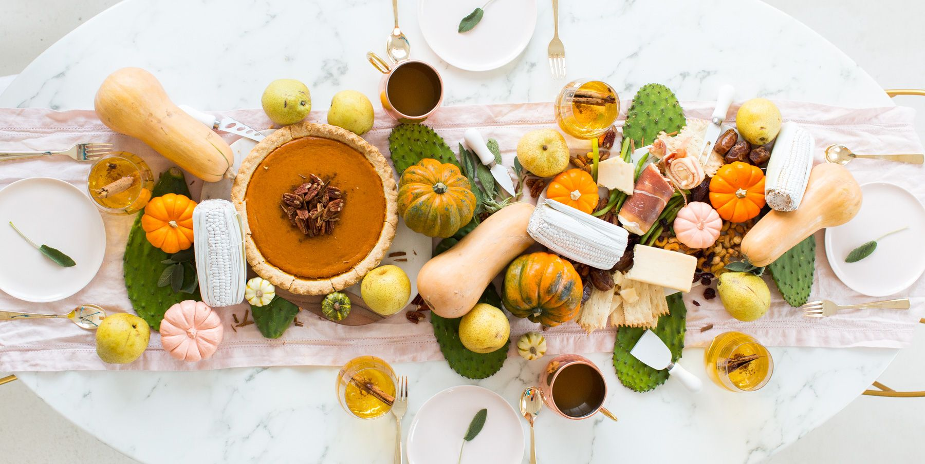 15 Super Creative Ways To Decorate Your Table For Fall