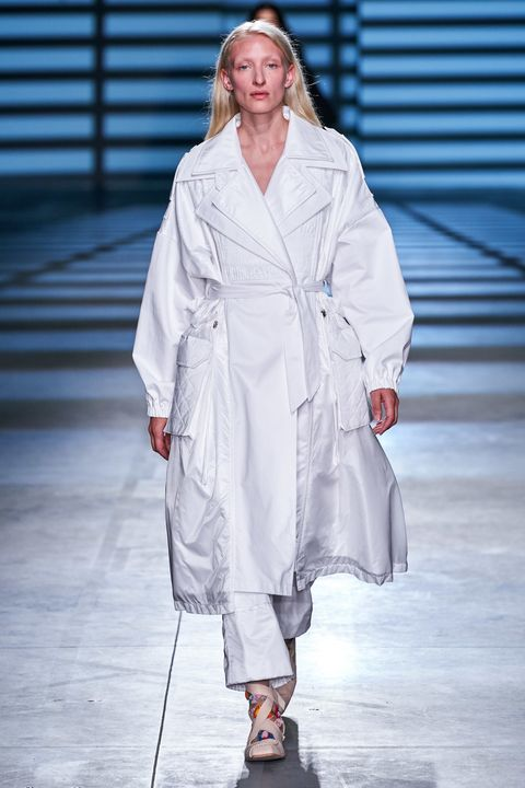 Runway, Fashion show, Fashion, White, Clothing, Robe, Fashion model, Public event, Outerwear, Fashion design,