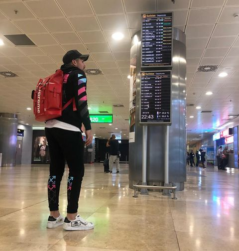 Standing, Sportswear, Joint, Footwear, Infrastructure, Fun, Architecture, Shoe, Baggage, City,