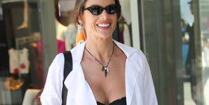 Alessandra Ambrosio luce sujetador en Cannes