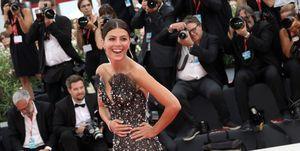 Alessandra Mastronardi en la primera alfombra roja del Festival de Venecia