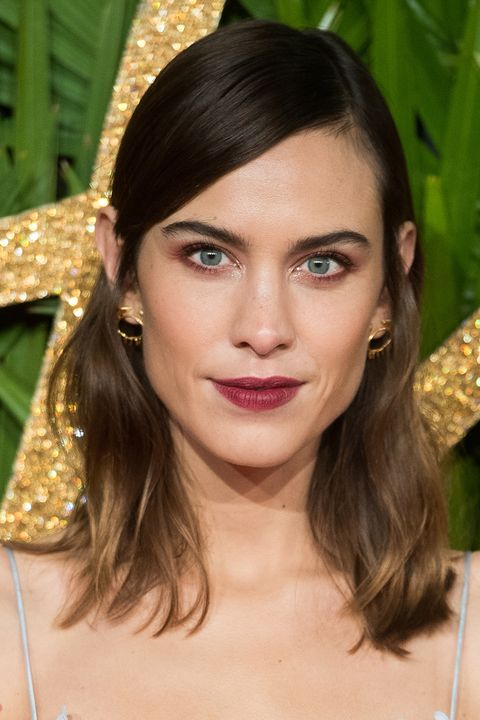 side parting hair trend