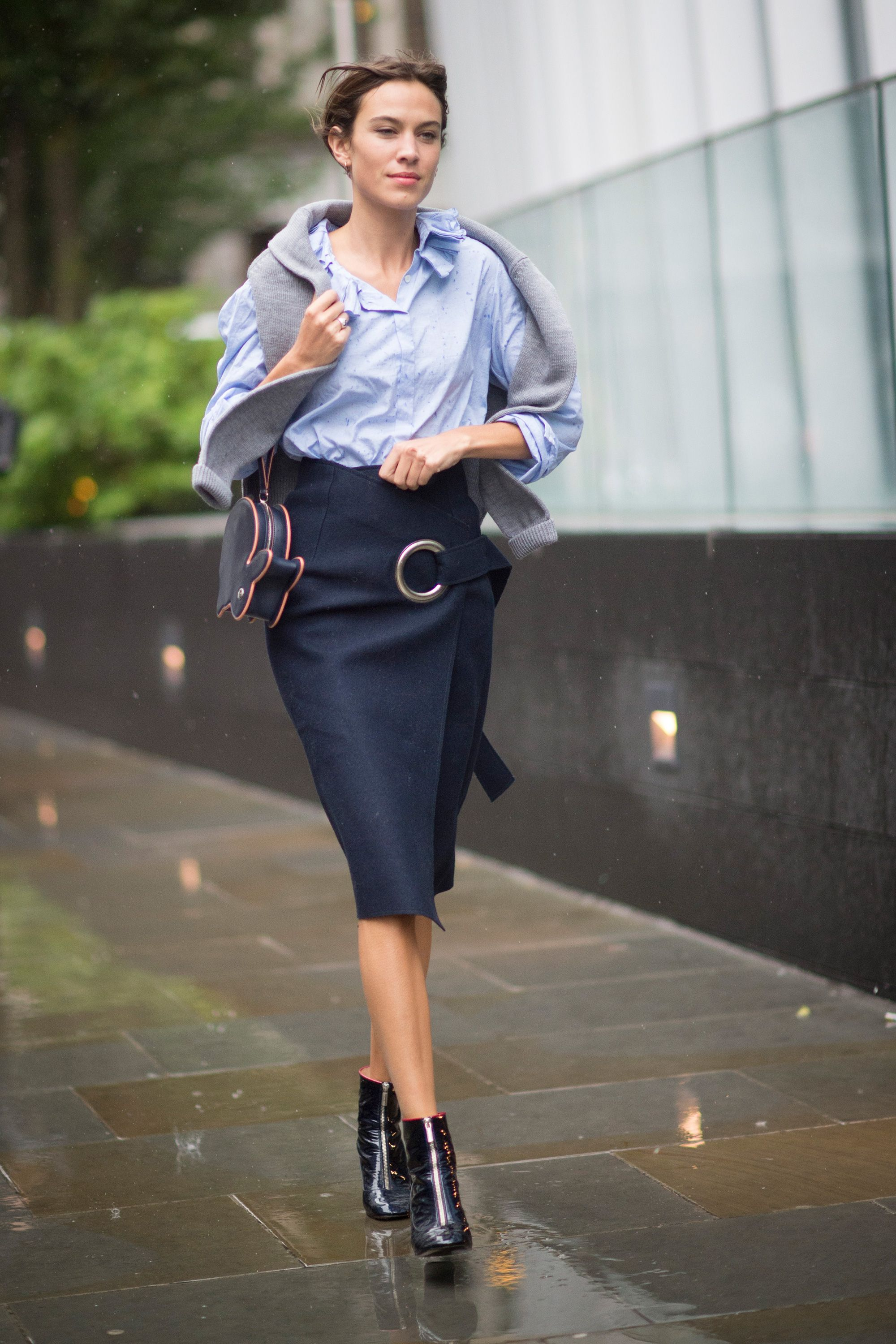 3ba37b935 How to style your pencil skirt now: 10 new ideas