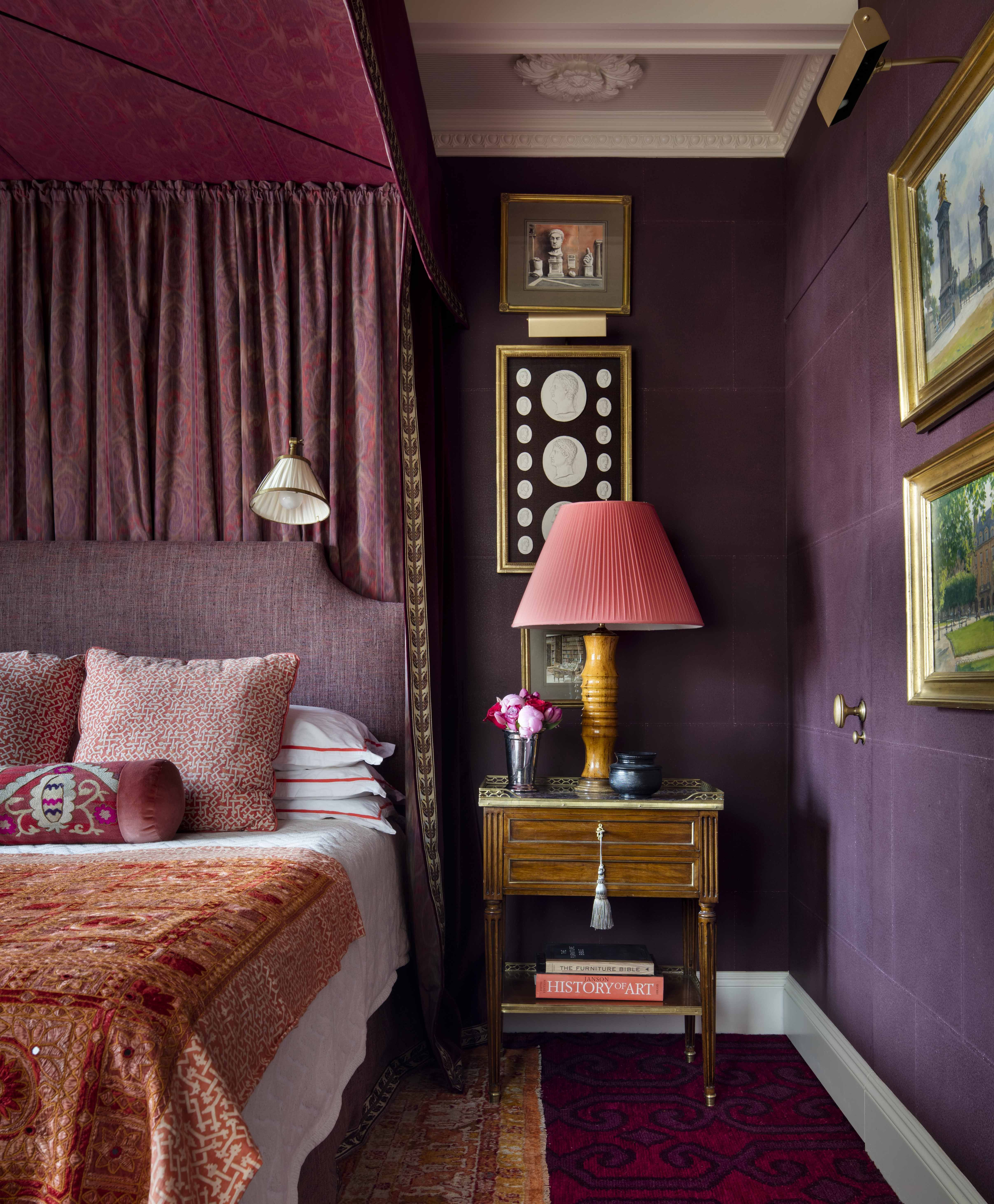 purple bedroom ideas & 10 Stylish Purple Bedrooms - Ideas for Bedroom Decor in Purple