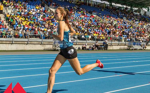 High School Star Alexa Efraimson Turns Pro