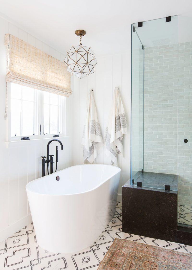 12 White Bathroom Ideas - Decorating White Bathrooms