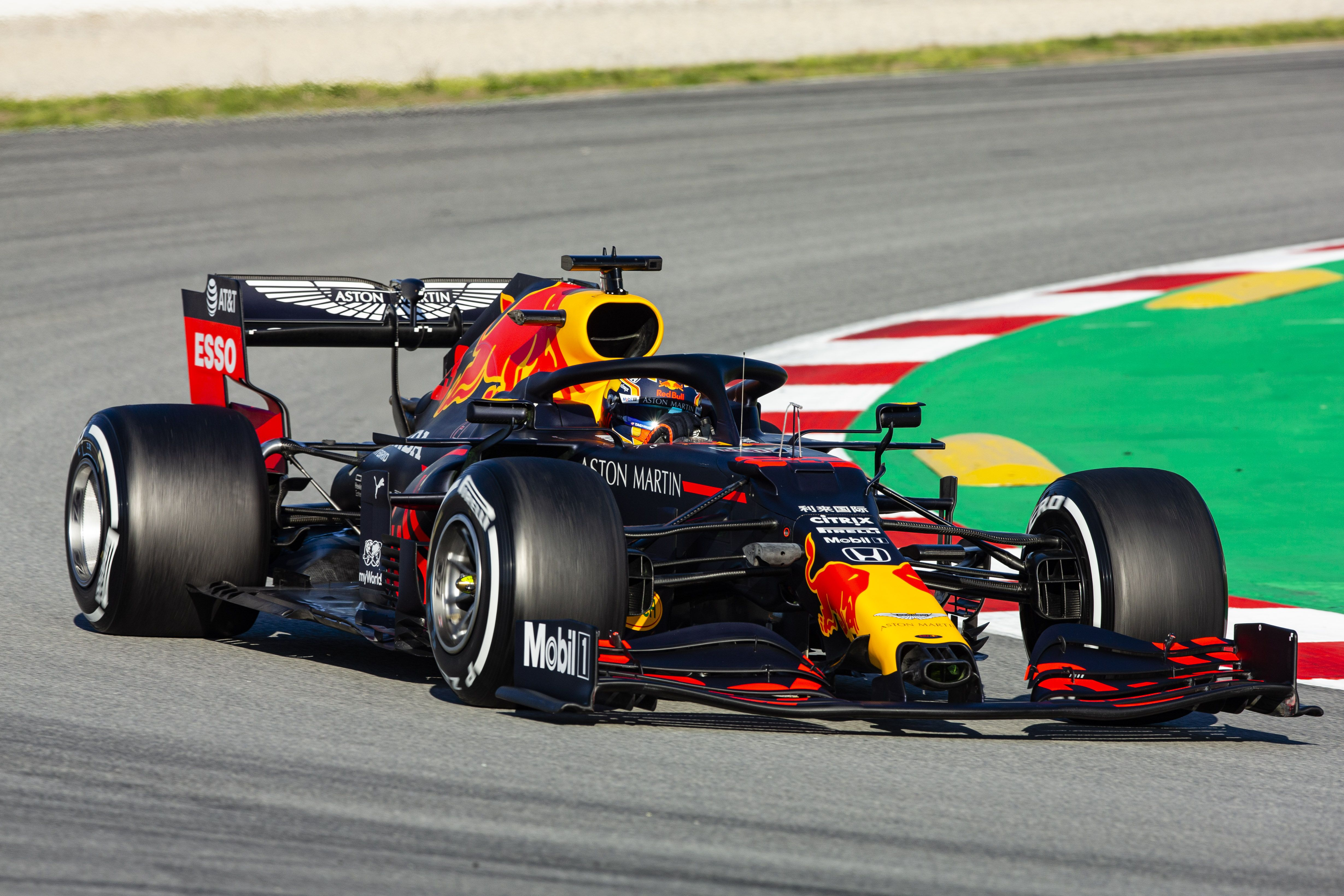 Red Bull S Albon Says He S Not Feeling Heat After Modest Start To 2020 F1 Season