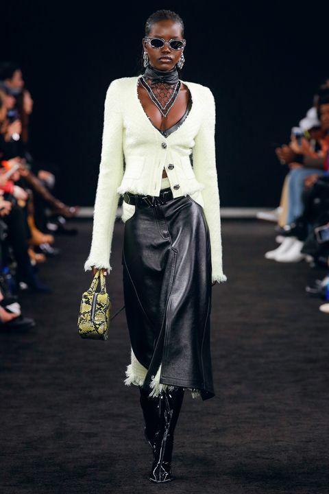 Fashion model, Runway, Fashion, Fashion show, Clothing, Fashion design, Event, Human, Public event, Footwear,