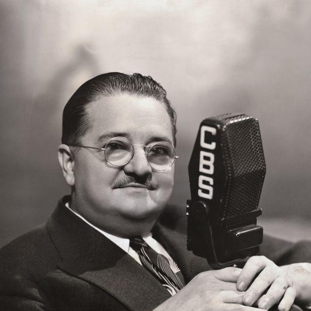 journalist alexander woolcott with cbs microphone