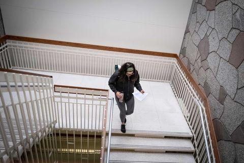 Alexandera Houchin assiste à un cours à l'Université du Minnesota Duluth le 22 octobre 2019, où elle poursuit un diplôme en études et chimie indiennes américaines.
