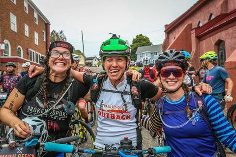 Alexandera Houchin (l), Jenny Acker (m) et Jill Martindale au Marji Gesick le 19 septembre 2019.
