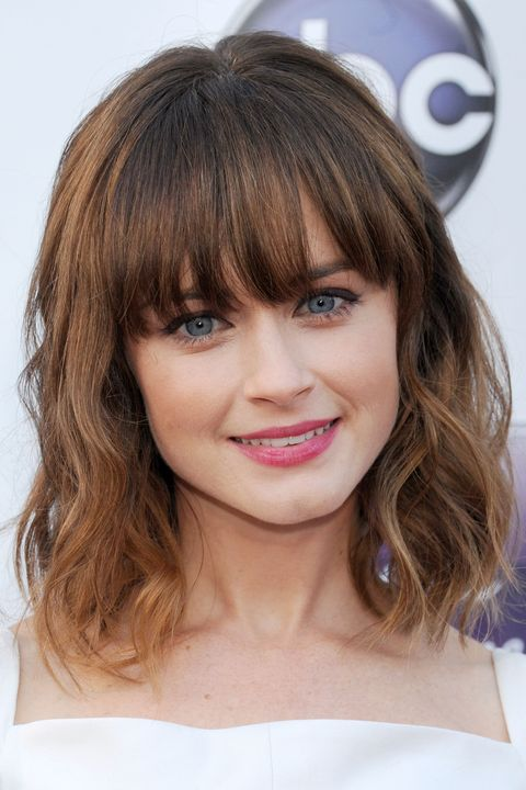 pretty easy hair styles 35 best hairstyles with bangs photos of 2963 | alexis bledel haircut with bangs 1532374583.jpg?crop=0.781xw:0.973xh;0