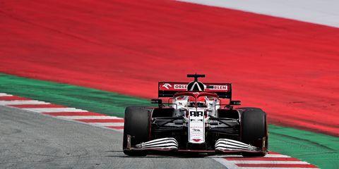 robert kubica al volante del alfa romeo c41 en austria 2021