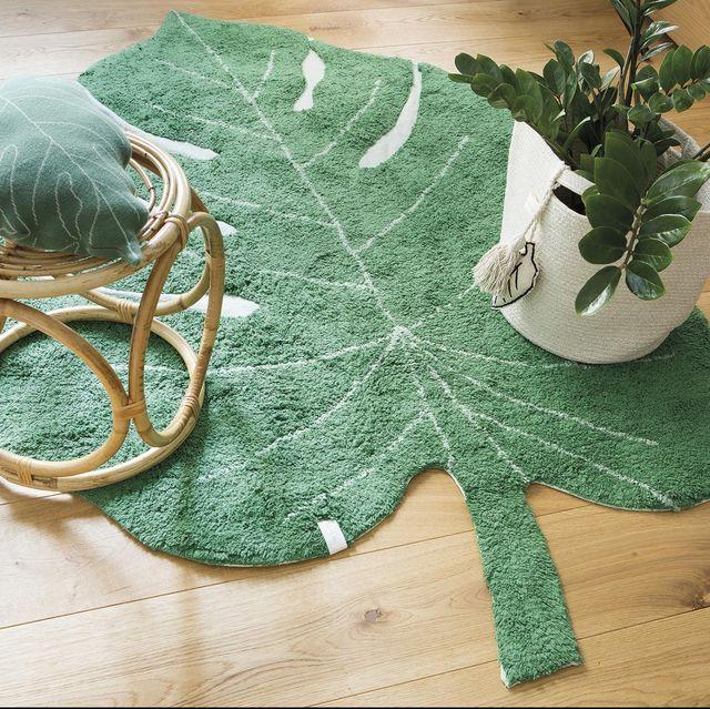 alfombra con forma de hoja de lorena canals