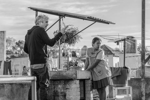 """Alfonso Cuarón y Yalitza Aparicio en """"Roma"""""""