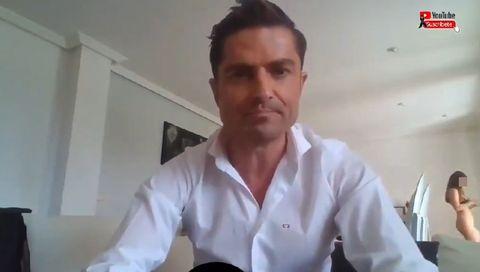 una chica semidesnuda se cuela en un vídeo en la casa de alfonso merlos, novio de marta lópez