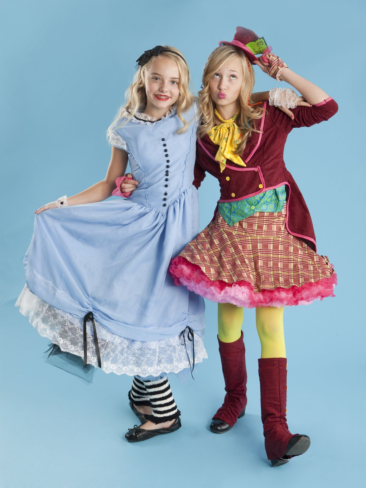 20 Diy Alice In Wonderland Costume Ideas Best Alice In Wonderland Halloween Costumes
