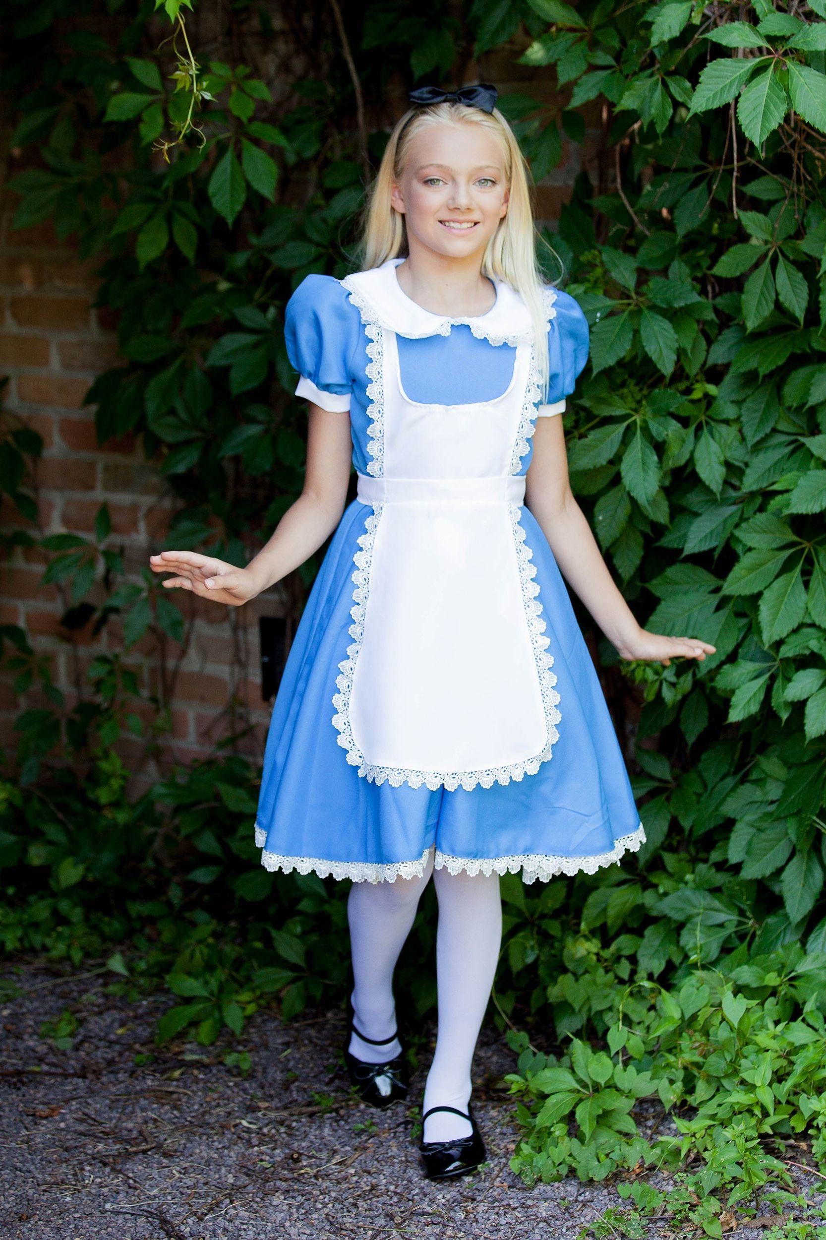 alice in wonderland '50s halloween costume