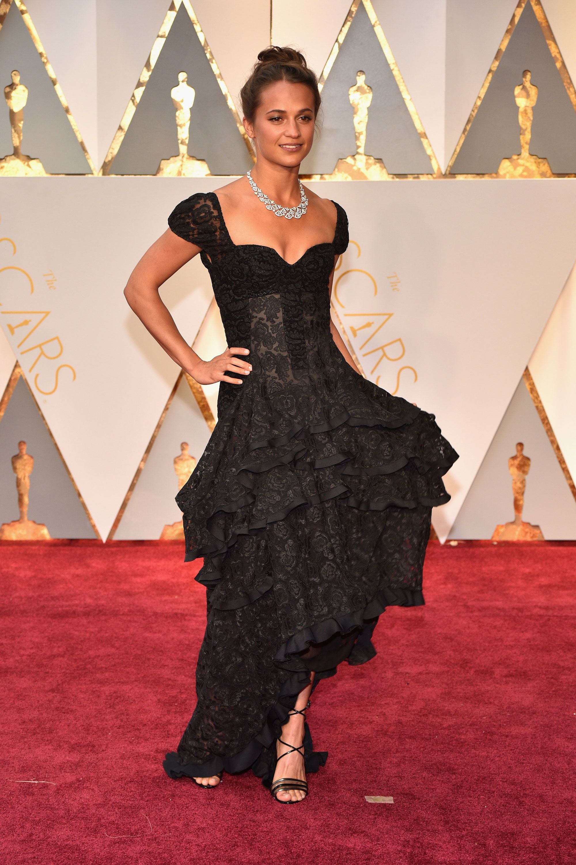 Alicia Vicander Dress on Oscar