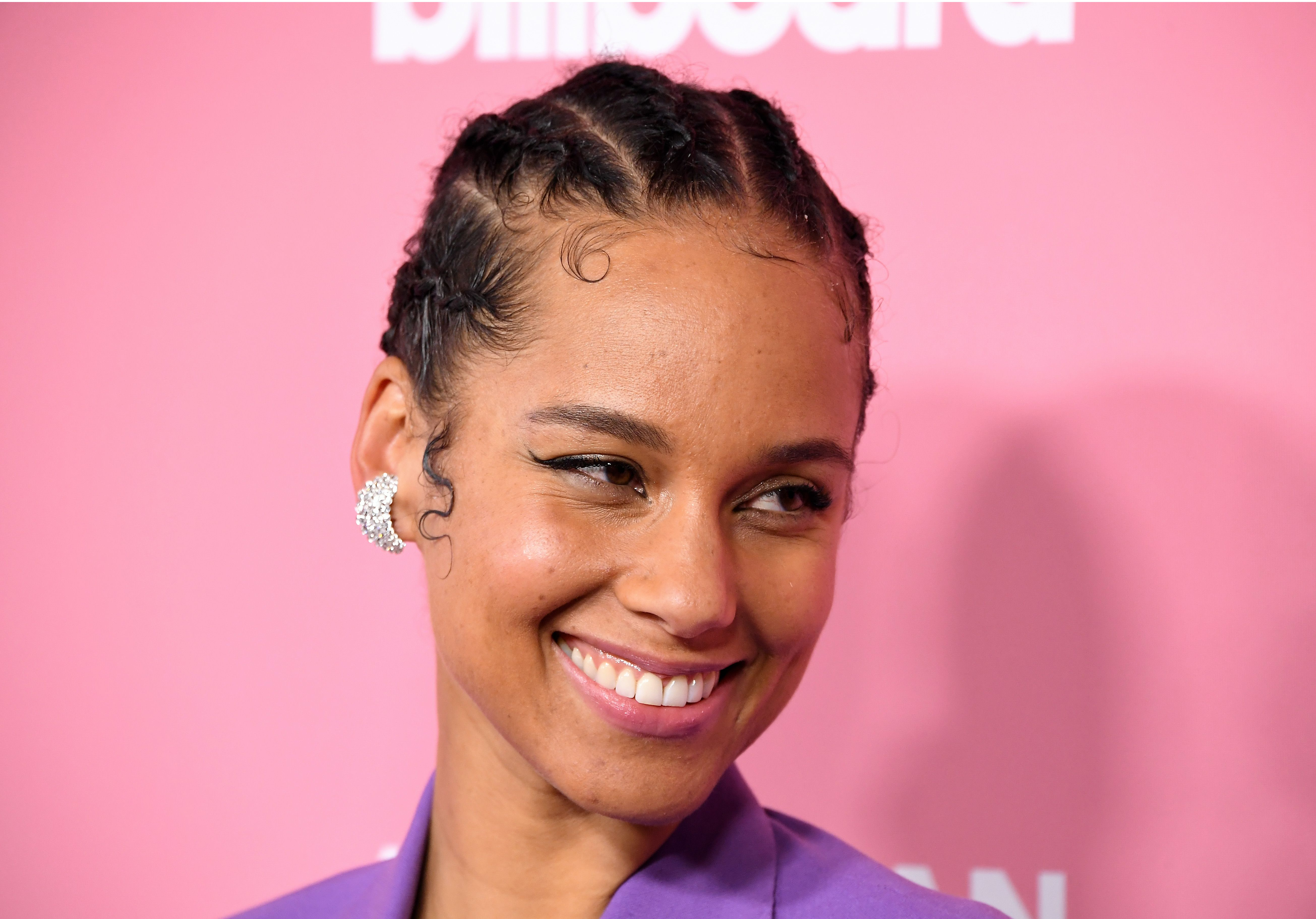 Why Doesn't Alicia Keys Wear Makeup? Other Than, You Know, Because She CAN