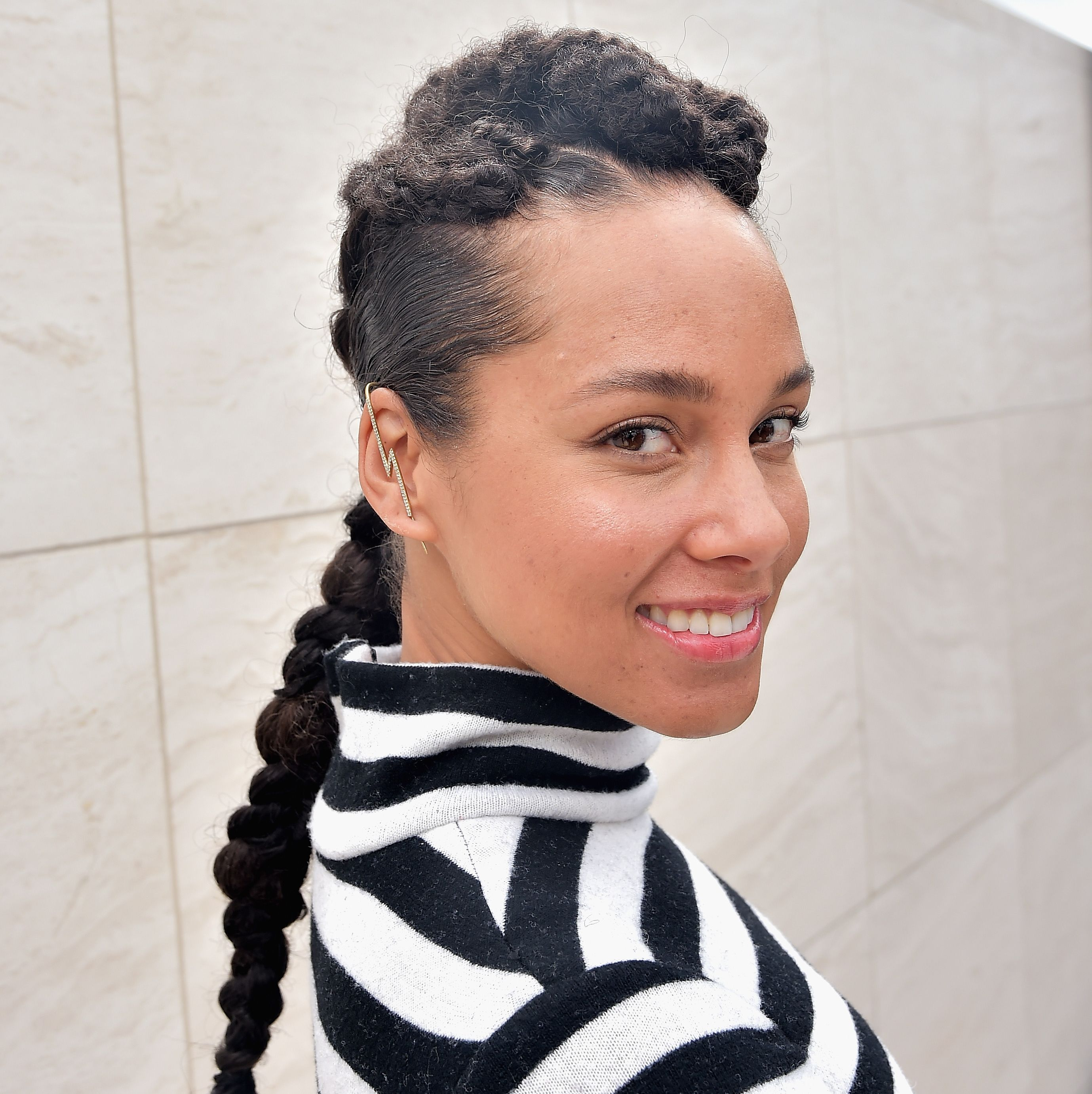 "Alicia Keys Alicia is now the queen of the makeup free look, but she told Elle UK that it took ""forever to get this skin. I mean, I know how it feels to have a face full of bumps and pimples,"" she said. ""I lived through that in the public eye. But when I first got pregnant [six years ago with her son, Egypt] I started to eliminate dairy from my diet and drank a lot more water, which made a huge difference to my skin."""