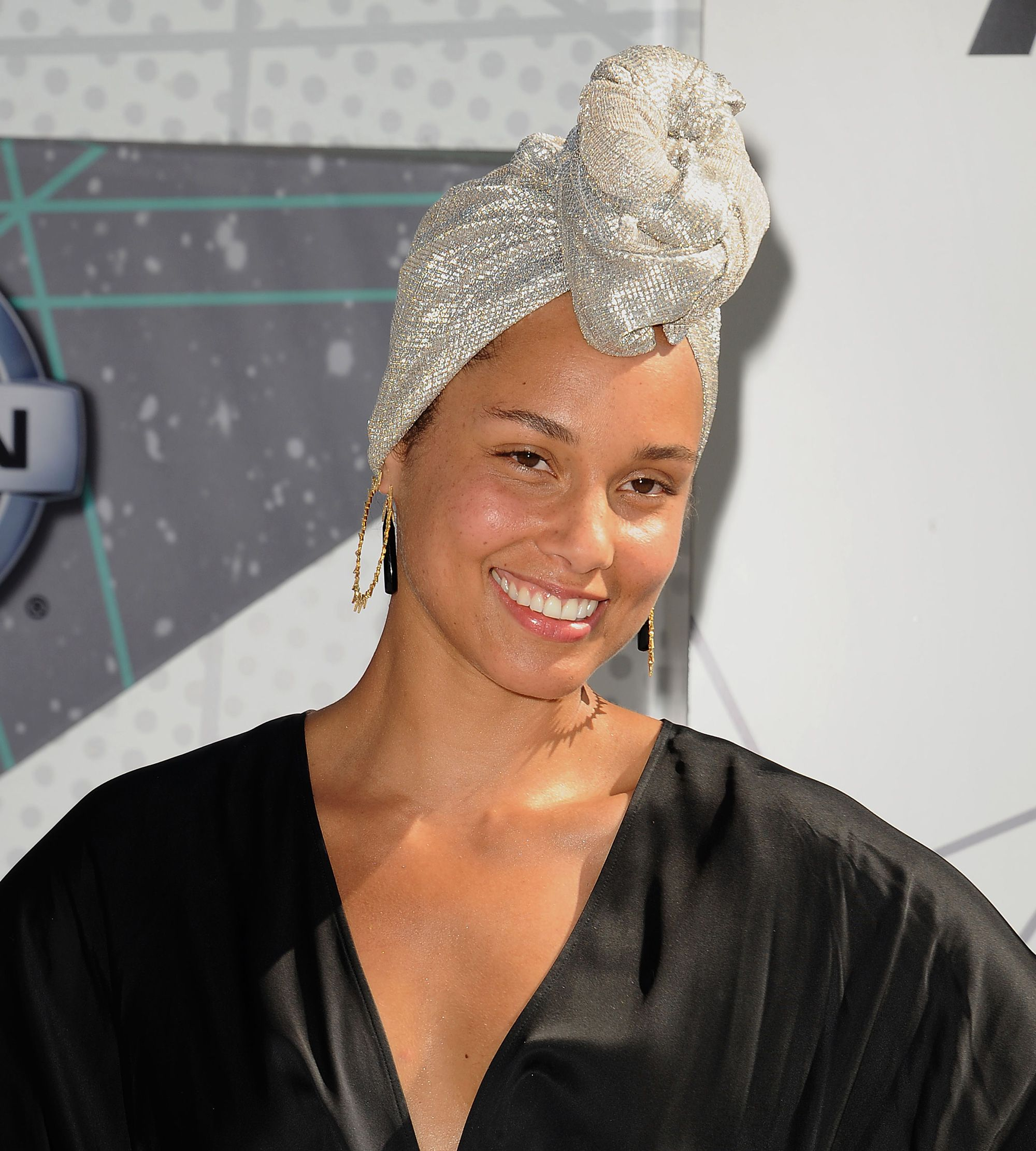 Image result for Alicia keys no makeup