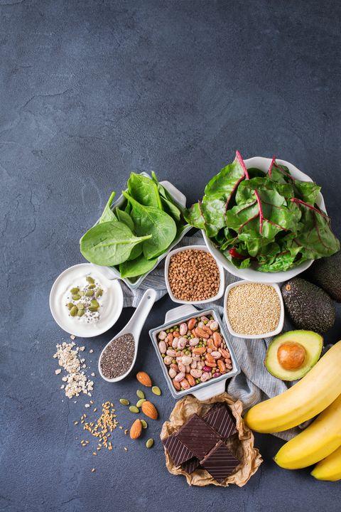 surtido de alimentos ricos en magnesio
