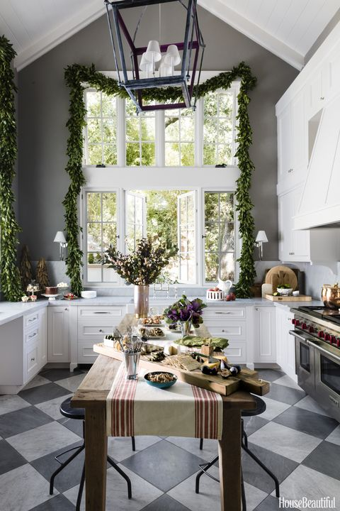 This California Kitchen Is Made for Holiday Entertaining
