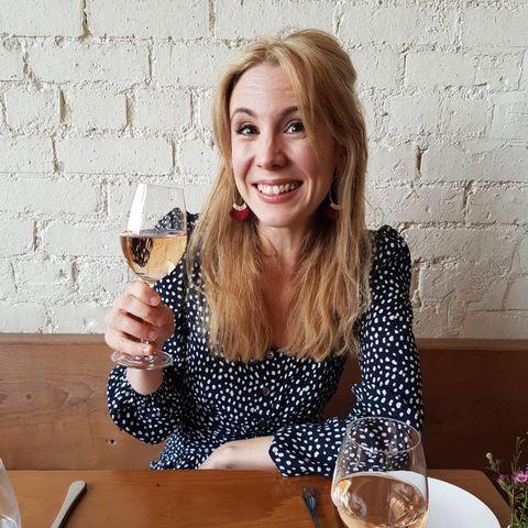 Facial expression, Drinkware, Stemware, Wine glass, Smile, Glass, Tableware, Serveware, Happy, Food,