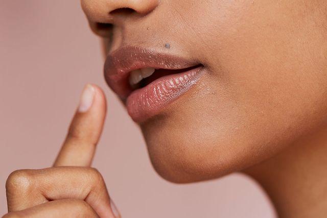 labios tratados con ácido hialurónico de allergan aesthetics