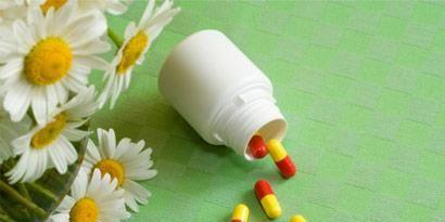 Yellow, Petal, Flower, camomile, Colorfulness, Medicine, Capsule, Pill, Prescription drug, Chamaemelum nobile,