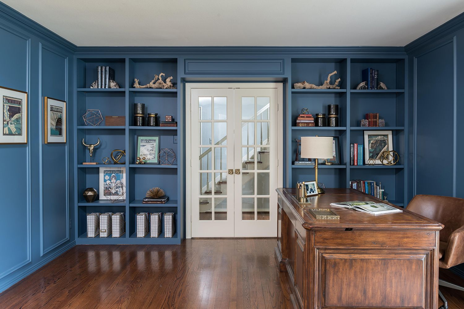 Luxe Floor To Ceiling Shelving .