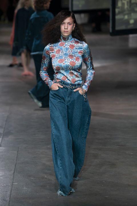 Fashion, Fashion show, Runway, Denim, Clothing, Jeans, Blue, Fashion model, Street fashion, Human,