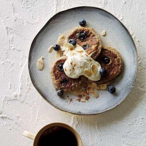 almond blueberry pancakes