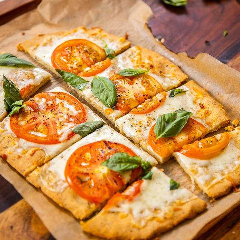 almond crust pizza