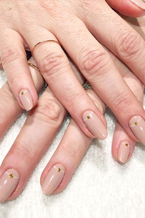 16 Nude Color Nail Designs to Try - Ideas for Nude Nail Art