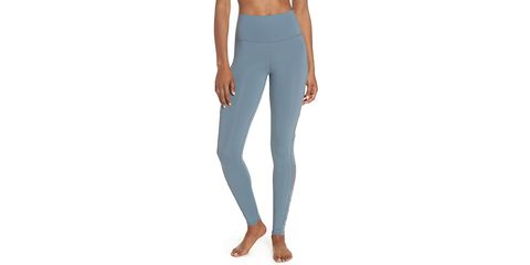 672b92511da78a 8 Workout Leggings You Need To Buy At Nordstrom's Anniversary Sale