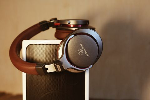 Audio equipment, Headphones, Gadget, Brown, Technology, Electronic device, Fashion accessory, Metal, Watch, Silver,