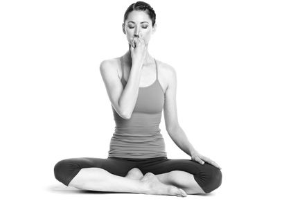 alternate nostril breathing yoga