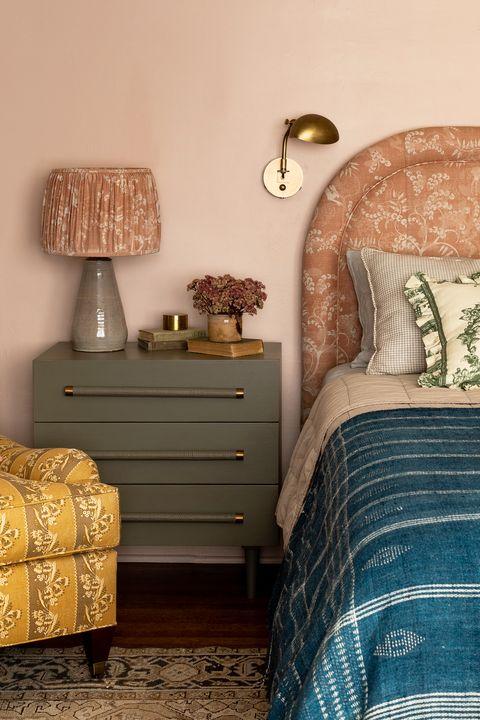24 Alternative Bedside Table Ideas That