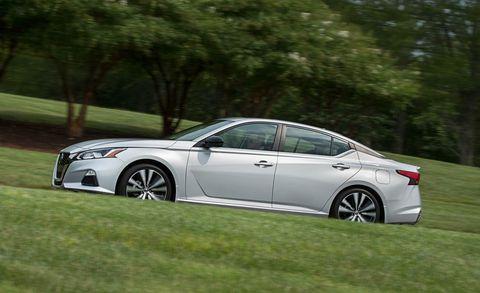 Land vehicle, Vehicle, Car, Mid-size car, Automotive design, Rim, Full-size car, Lexus, Sedan, Family car,