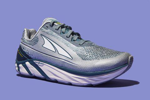 Shoe, Footwear, Outdoor shoe, Running shoe, Walking shoe, White, Product, Sneakers, Athletic shoe, Cross training shoe,