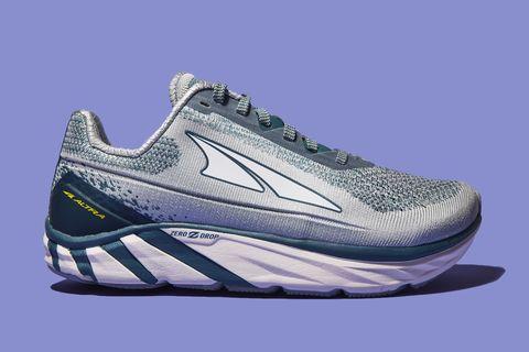 Shoe, Footwear, Outdoor shoe, Running shoe, Sneakers, White, Walking shoe, Product, Cross training shoe, Athletic shoe,